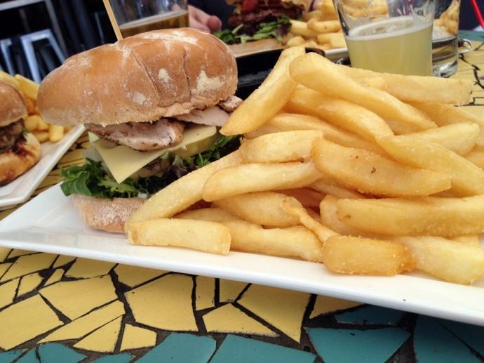 Austral Hawaiian Burger